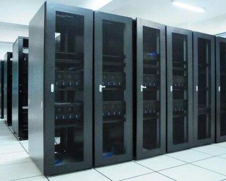 国内服务器更稳定吗?